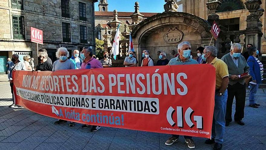 Jubilados se movilizan en la ciudad para rechazar la reforma de las pensiones