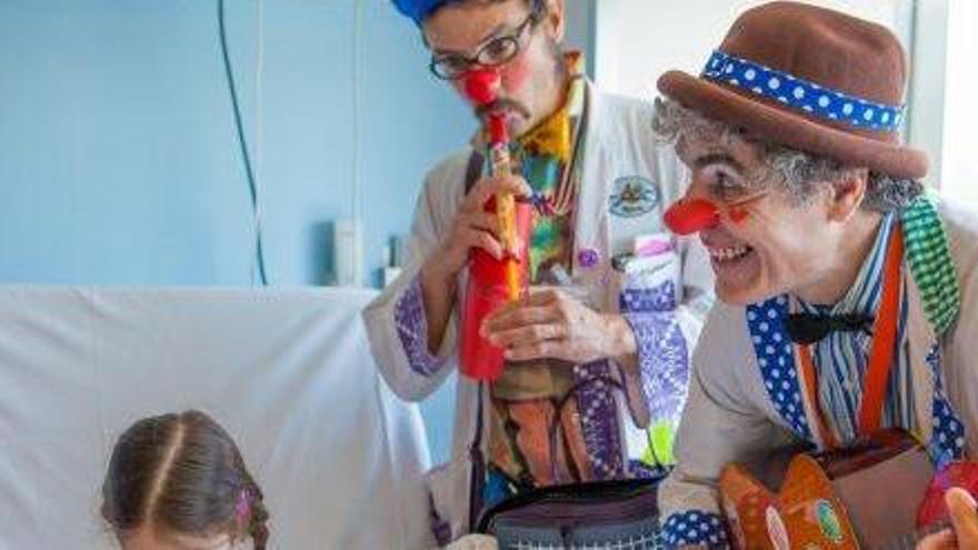 Los Payasos de Hospital de Sonrisa Médica llegan a Ibiza