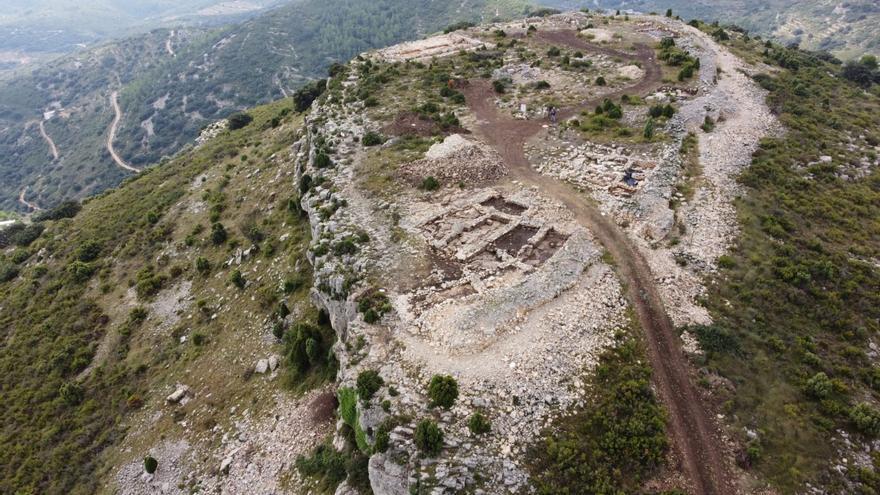 Nuevos hallazgos cierran las excavaciones de la Diputación en el Tossal de la Vila de la Serra