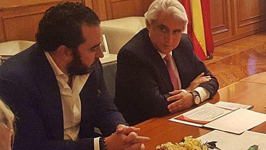 Víctor de Aldama y Alfredo Ruiz, responsables rojiblancos.