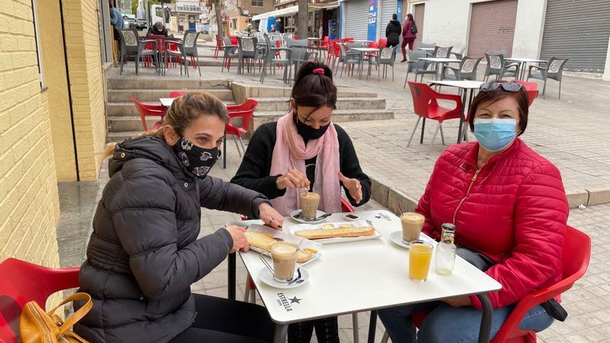 Furor por las terrazas en la reapertura de la hostelería al aire libre en Alicante