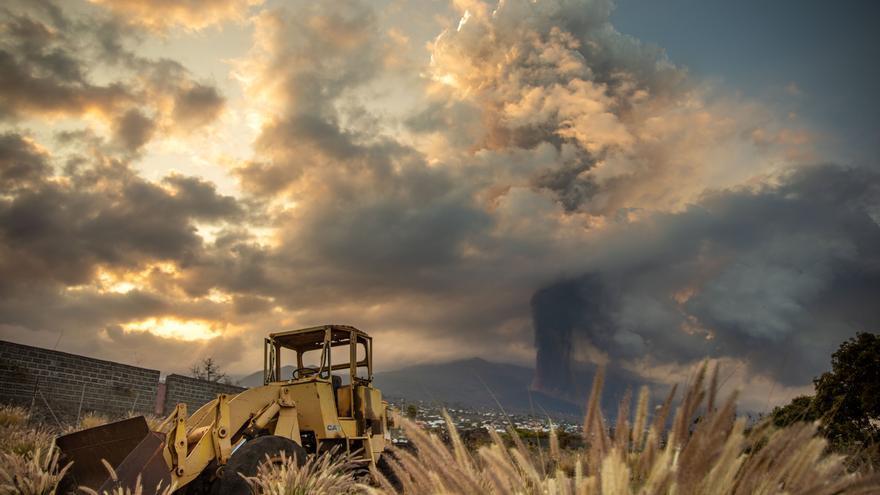 Directo | La lava sigue su curso mientras el Ejecutivo ultima un Plan de Recuperación