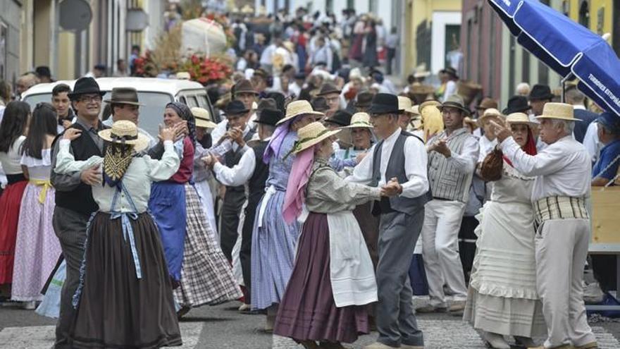 La romería prepara a Valleseco para la gran fiesta de la manzana