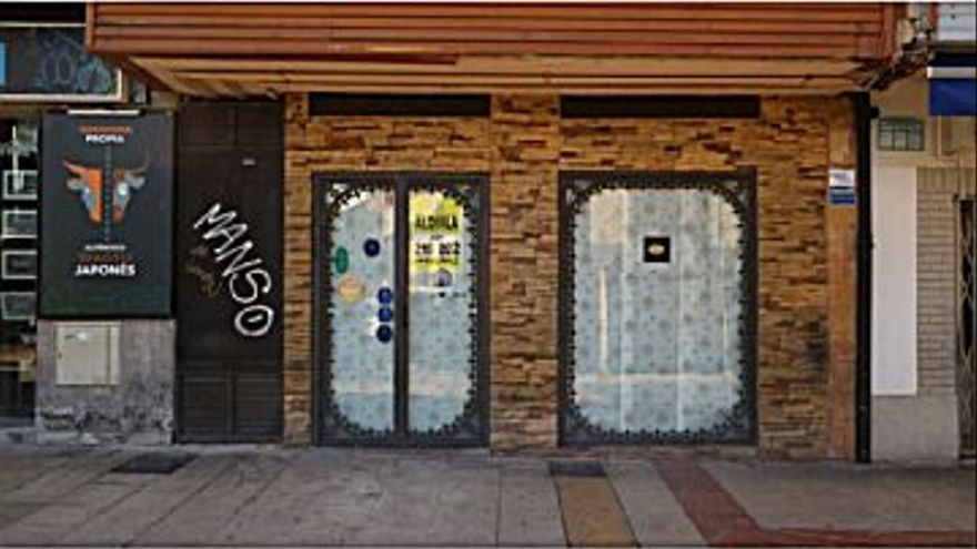 1.200 € Alquiler de local en Centro (Oviedo) 88 m2, 14 €/m2...