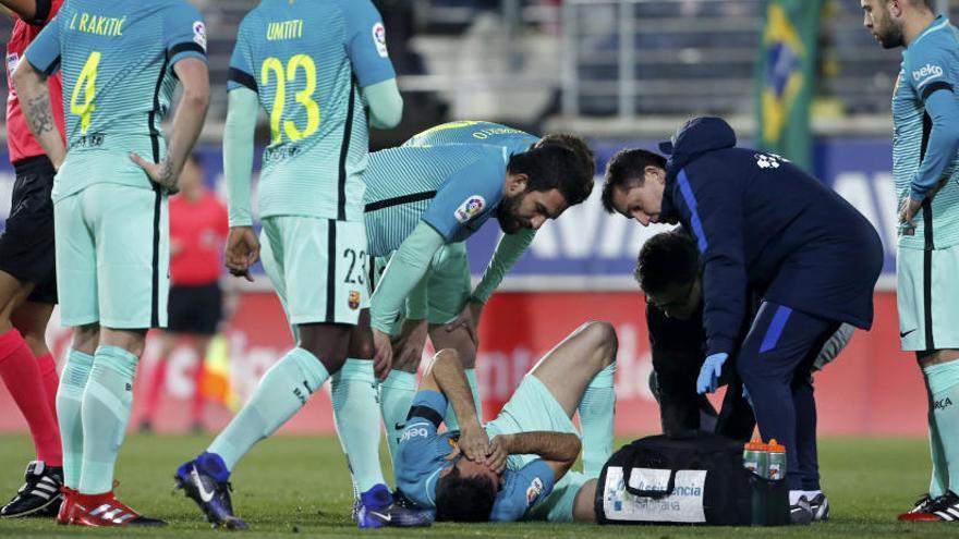 Sergio Busquets pateix un esquinç al turmell