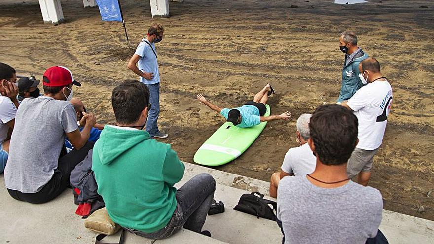 La capital contará en 2021 con un centro de surf adaptado en la playa de Las Canteras