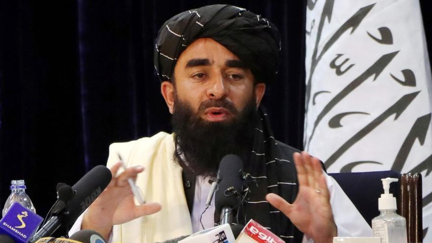Els talibans tanquen l'aeroport als ciutadans afganesos i rebutgen allargar les evacuacions internacionals