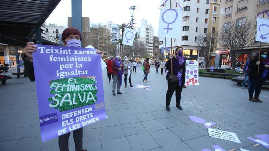 Concentraciones por los derechos de la mujer en distintos puntos de la provincia