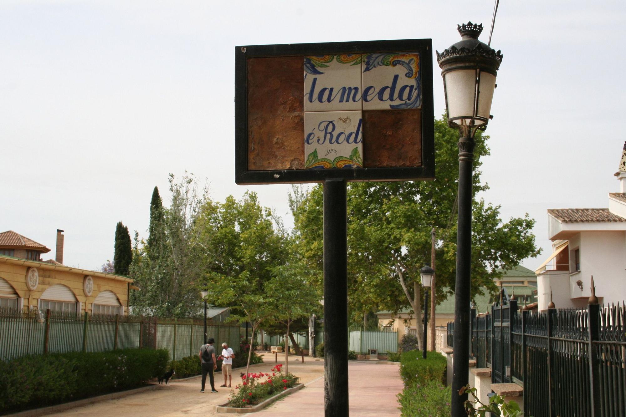 Actos vandálicos en la Alamedas, Lorca
