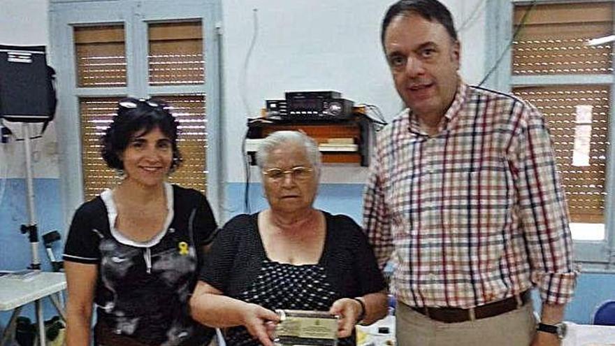 Sant Pau homenatja els veïns del barri Amparo Antequera i José López