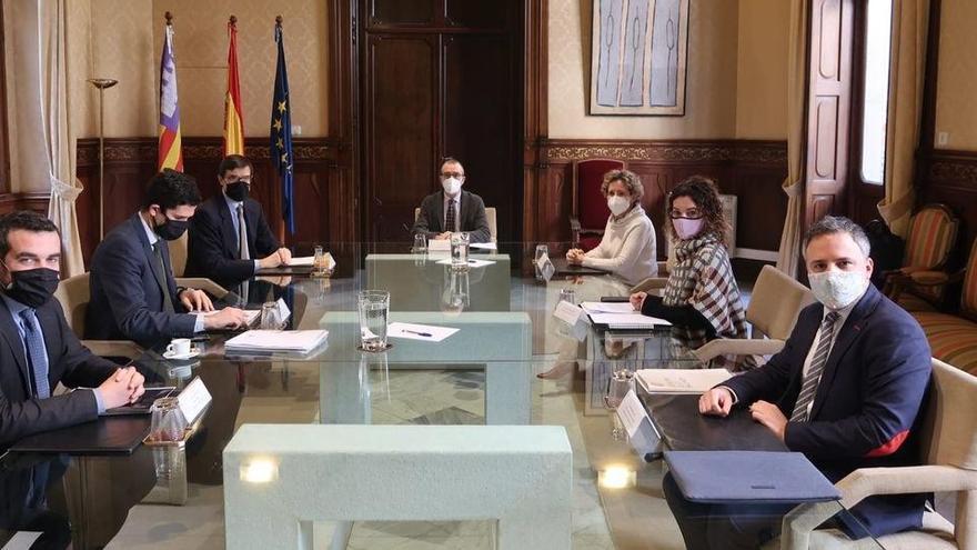 Madrid schließt Vorzugsbehandlung bei Impfungen für Urlaubsgebiete aus