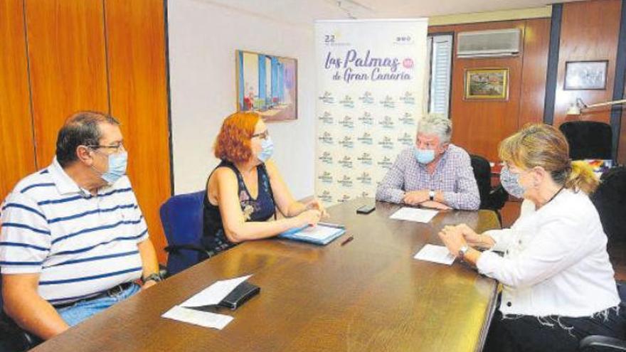 Quevedo se reúne con los hoteleros para reactivar el turismo capitalino