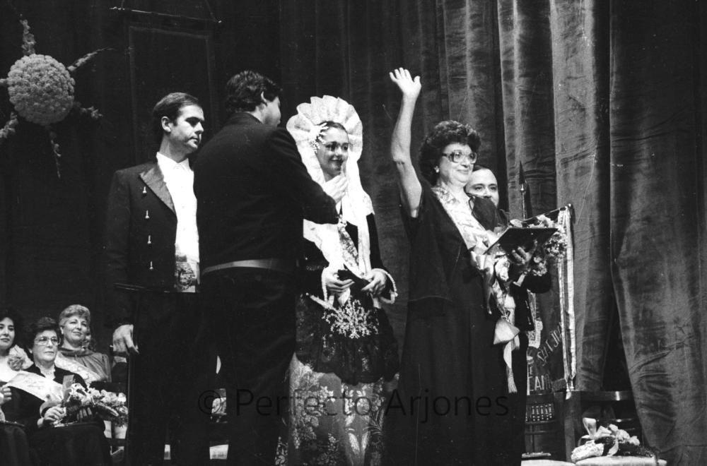 HOGUERAS. 1984