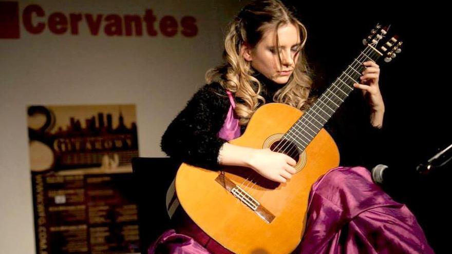 La guitarrista montillana Mabel Millán, nominada a los Grammy latinos