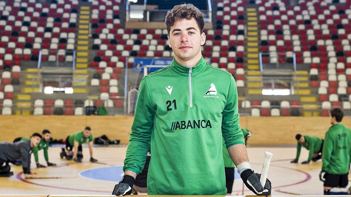 Fabrizio Ciocale, ayer, en el entrenamiento del Liceo en el Palacio de los Deportes de Riazor. |  // CASTELEIRO/ROLLERAGENCIA