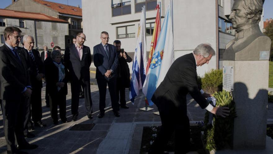 Tabaré Vázquez honra en su visita a Galicia la memoria del general Gervasio Artigas