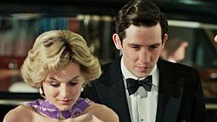 """La familia real británica, indignada con la cuarta temporada de """"The Crown"""""""