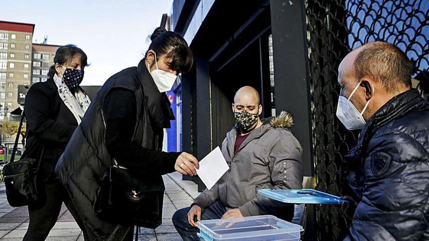 Oviedo reduce en un tercio el servicio de taxis ante la gran caída de la demanda