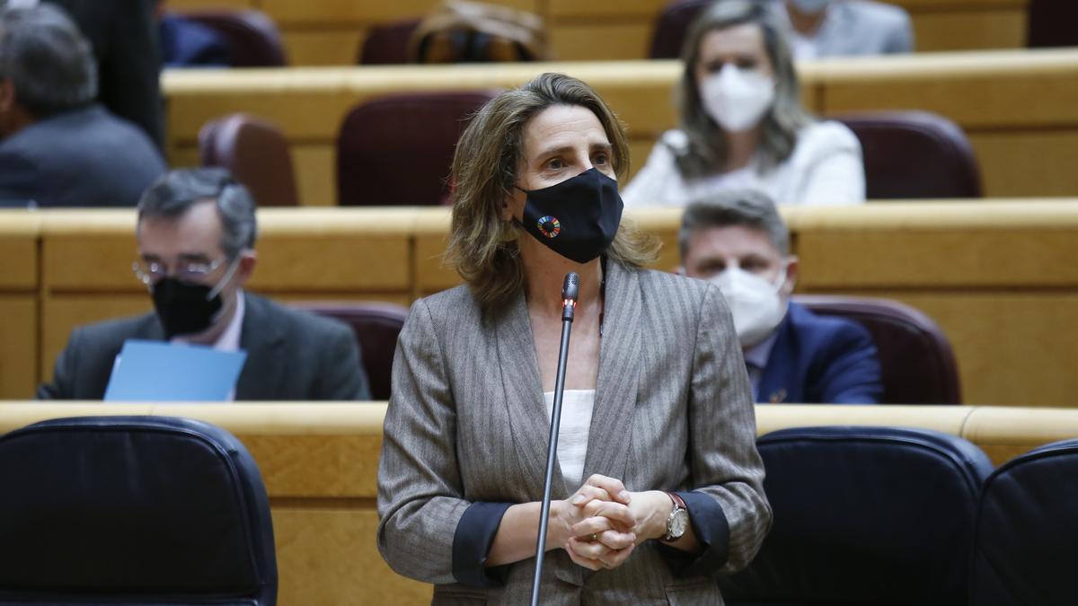 La ministra Teresa Ribera durante su comparecencia en el Senado