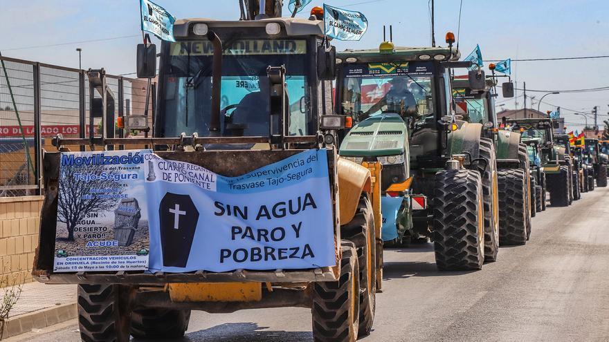 Multitudinarias «tractoradas» y marchas movilizan a los regantes en defensa del trasvase