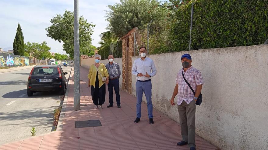 Los vecinos del Sagrat de San Vicente exigen mayor frecuencia de limpieza y recogida de basura