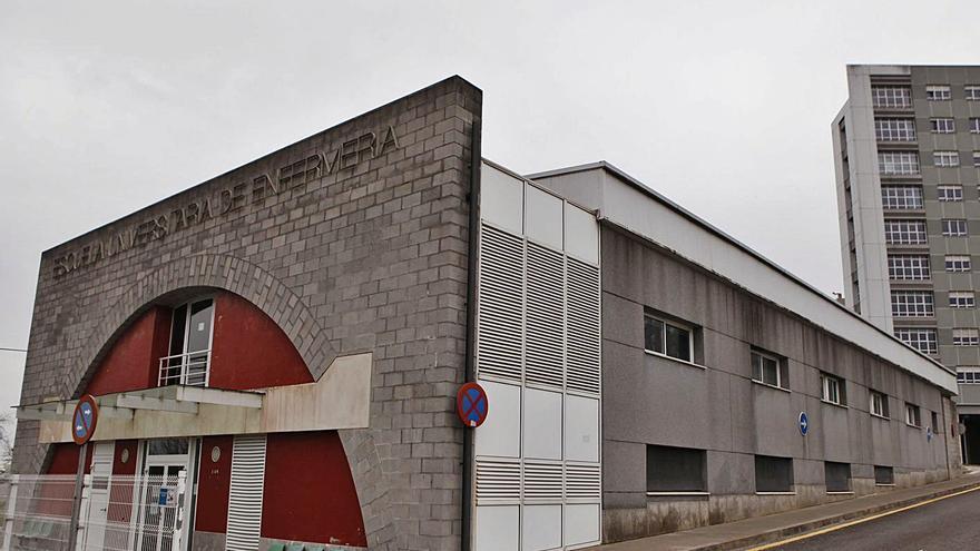 La Universidad sopesa el traslado temporal de la Facultad de Enfermería a la Laboral