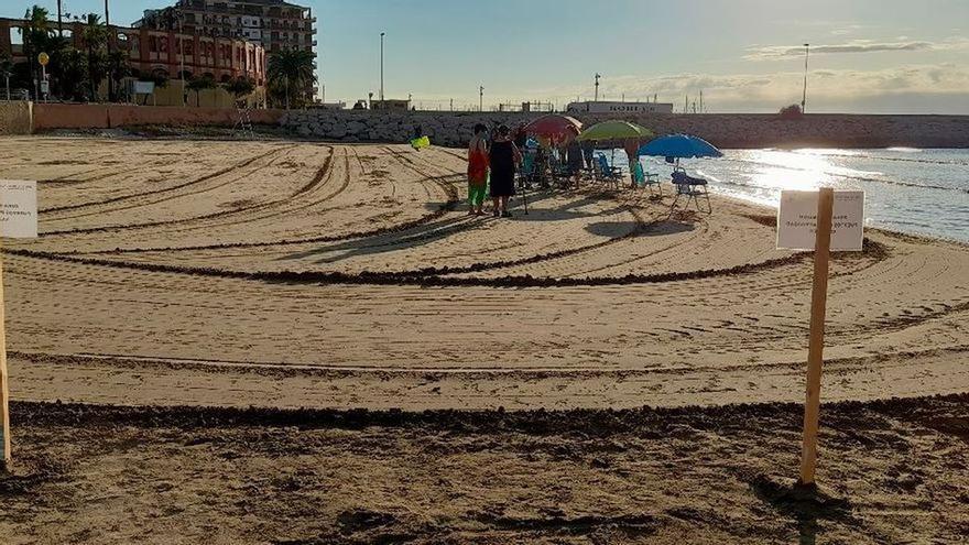Polémica en Vinaròs: un hotel reserva parte de la playa del Clot