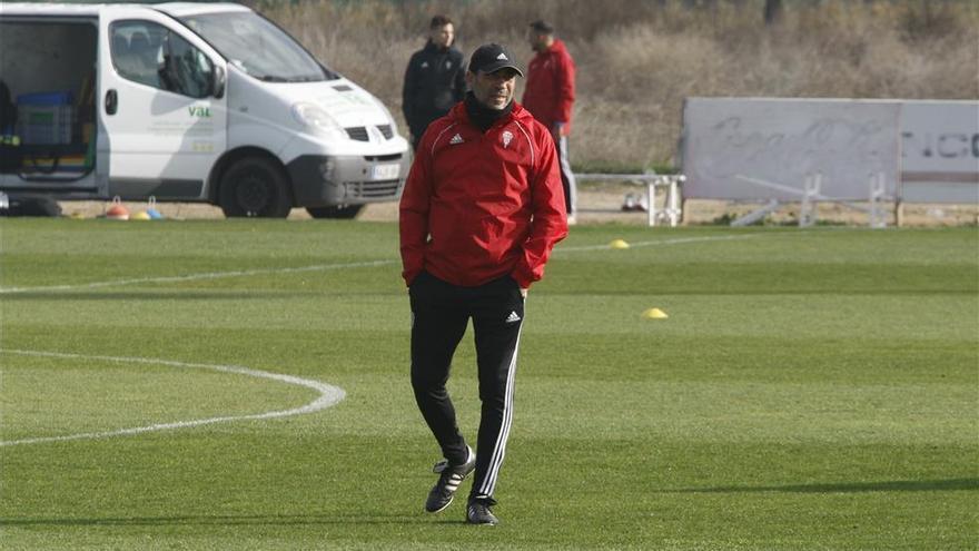"""Agné: """"Se habla de que me van a echar pero yo solo pienso en ganarle al Cartagena"""""""