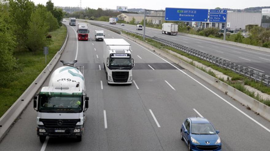 Els camions hauran de circular màxim a 80 km/h, pel carril dret i sense avançaments a l'AP-7 les tardes de diumenge