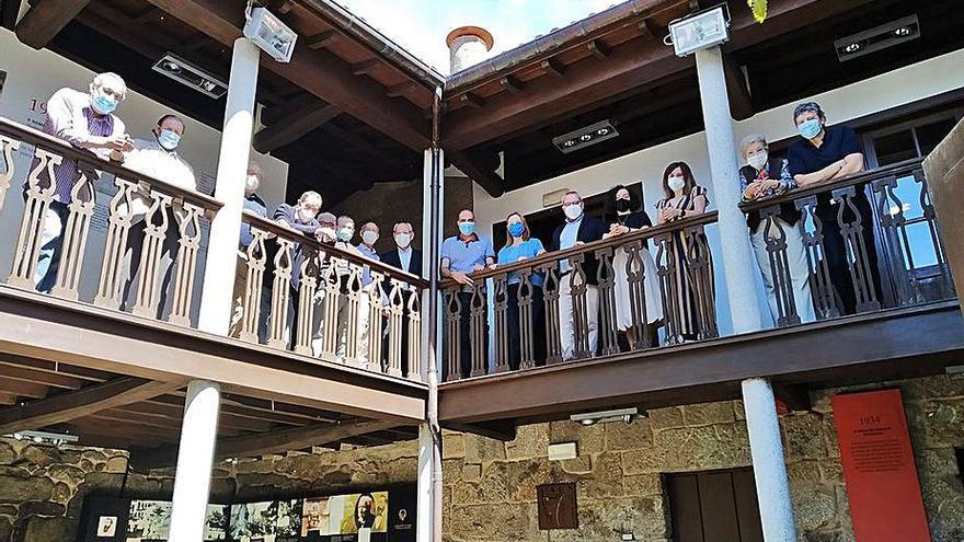 """Premio Curros Enríquez a la Residencia San Carlos por su """"fortaleza"""" contra el COVID"""