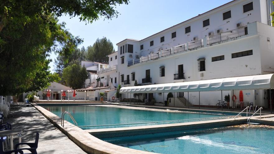 CCOO denuncia que Chulilla aplique un ERE a los trabajadores del balneario que ha tenido que readmitir