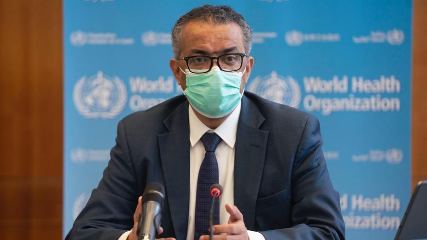 """La OMS se reúne para analizar """"más a fondo"""" la seguridad de la vacuna de AstraZeneca"""