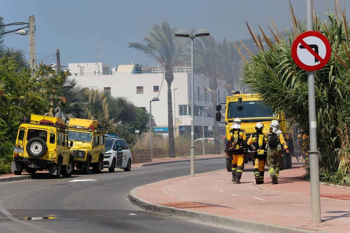 Incendio en una parcela de Ibiza