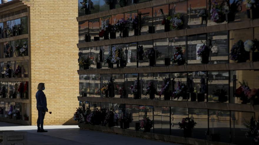 Cerrados a las visitas los cementerios de València