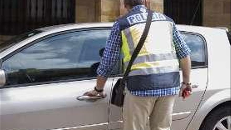 """""""Enredadera"""" compadreó con el jefe de la Policía de Siero, pero no obtuvo contratos"""