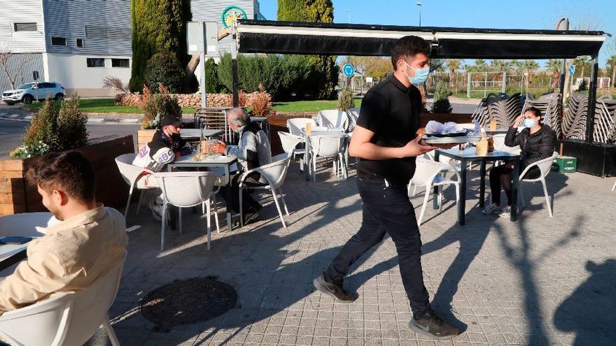 El alcalde de Vila-real pide a Puig «flexibilizar» los horarios para la hostelería