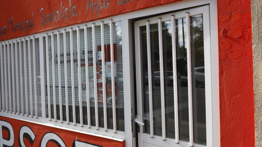 Unos vándalos apedrean los cristales de la sede municipal del PSOE de Zamora