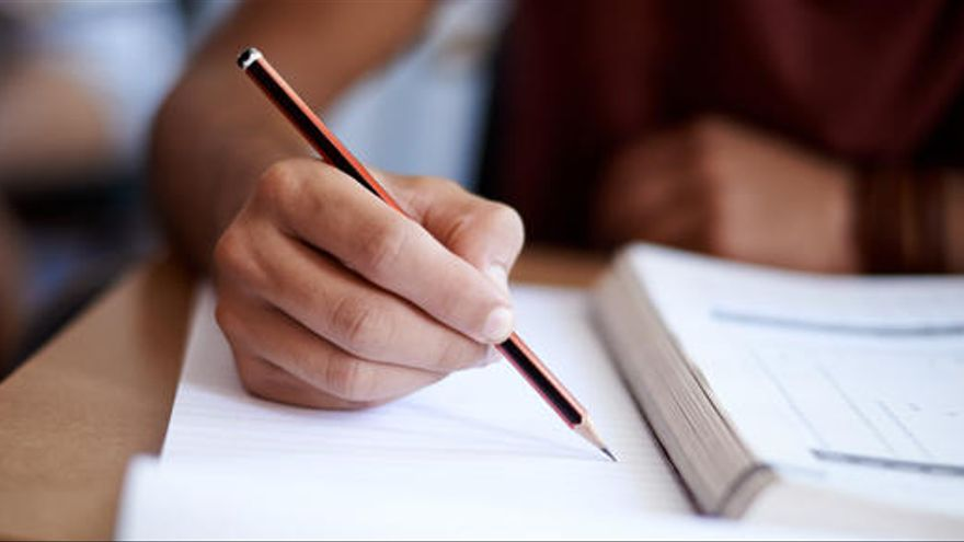 El Gobierno ha pedido la devolución de las becas a más de 135.000 alumnos desde 2012