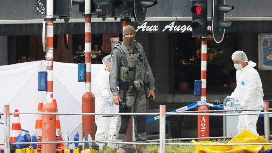 Un hombre mata a dos policías y a un civil en Bélgica antes de ser abatido