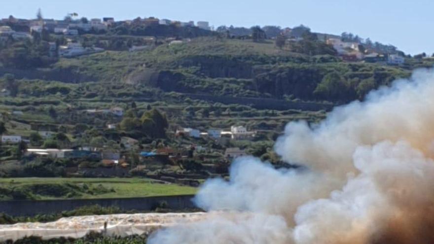 Incendio en la zona del Matadero de Arucas