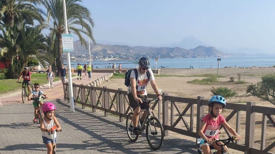 El Campello reivindica la apertura de un carril bici con el Día sin Coches