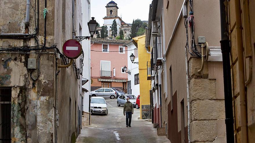 El número de ancianos que viven solos crece un 4,5 % en un año en las 3 comarcas