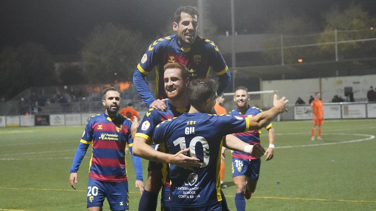 Els jugadors del Llagostera celebrant la victòria.