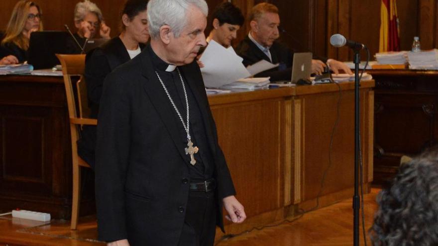 """El obispo de Vigo-Tui dice que nadie en la Iglesia tenía """"la más mínima sospecha"""" de ilegalidades en los """"Miguelianos"""""""