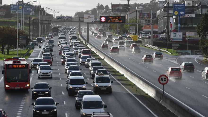 Tráfico prevé más de 490.000 desplazamientos por carretera en Galicia durante la operación de Todos los Santos
