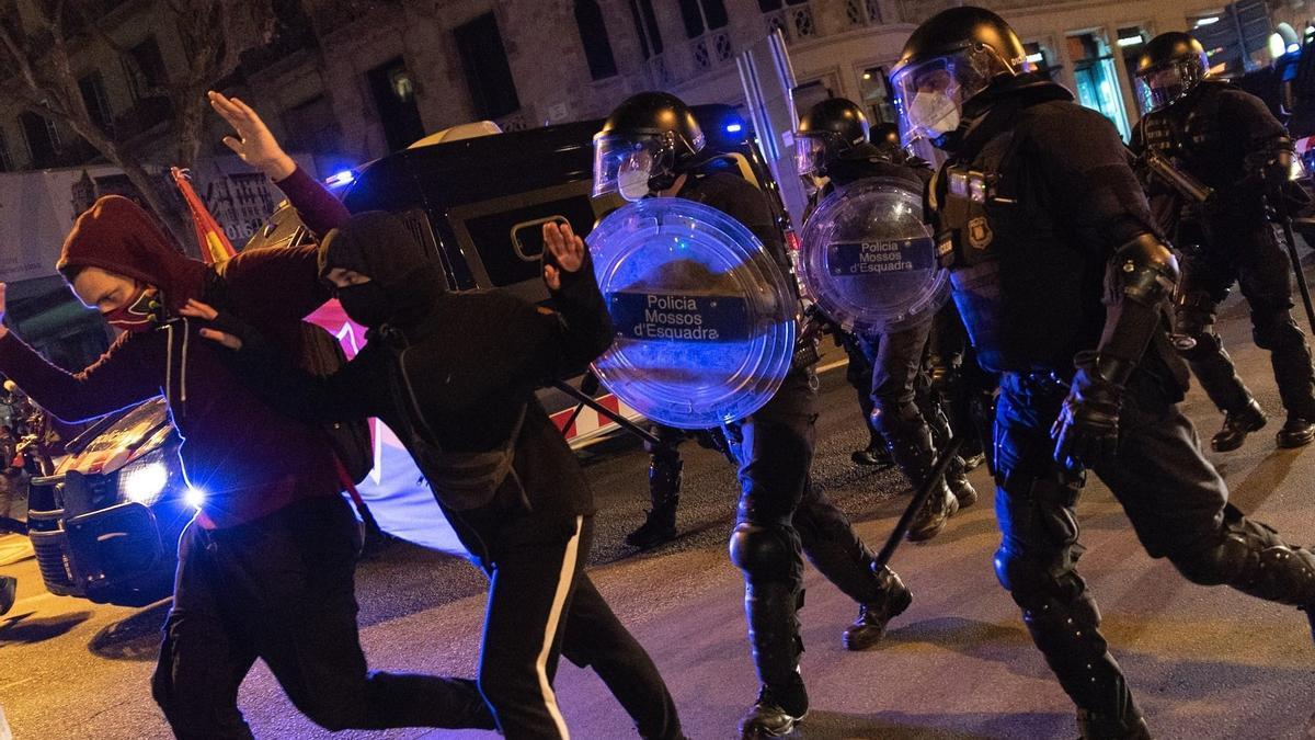 Dos de los detenidos en los altercados de Barcelona.