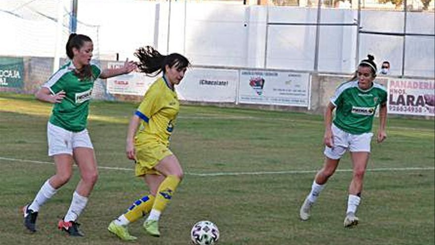 La RFEF dará  ayudas de hasta 3.000 euros para la formación e impulso del fútbol femenino
