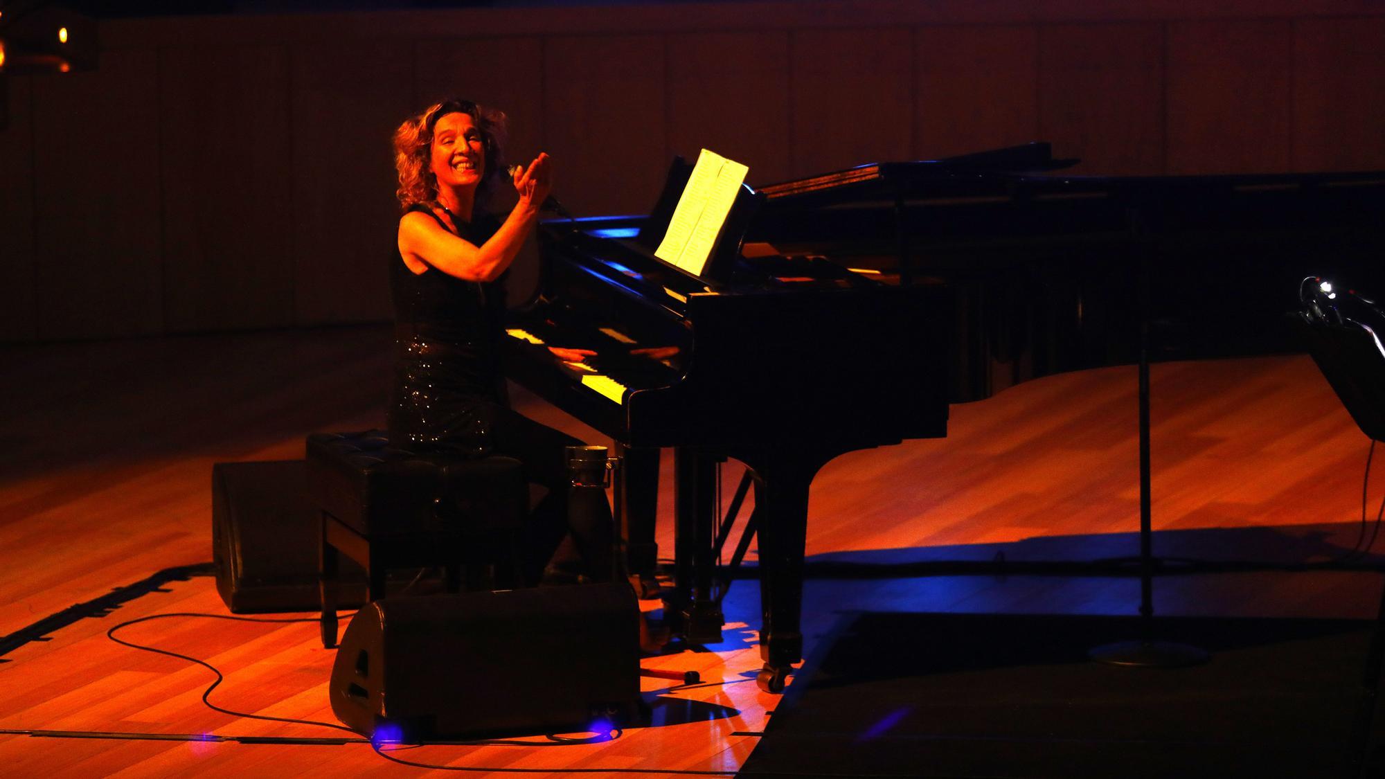 Concierto de Dulce Pontes en la sala Mozart del Auditorio de Zaragoza