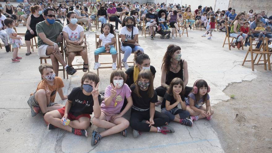 La revetlla infantil sense petards a l'Anònima diverteix més de 350 persones