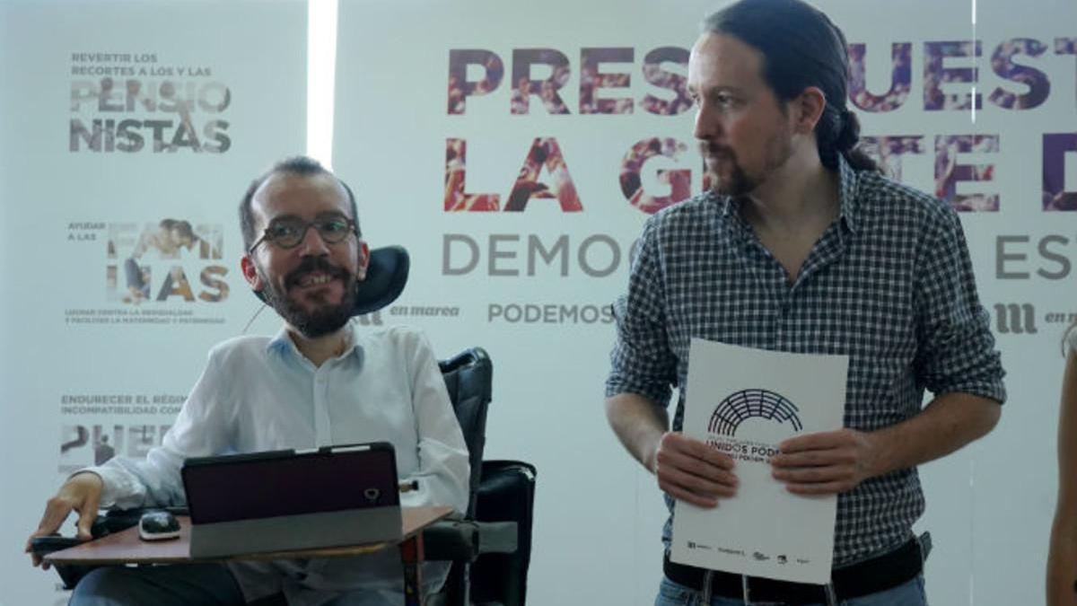 Iglesias vuelve a poner el impuesto a la banca sobre la mesa de Sánchez